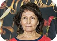 Helena Santos receives the Nicolau Van Uden Prize